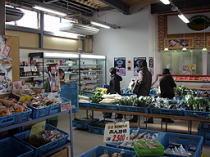 松江こだわり市場内部