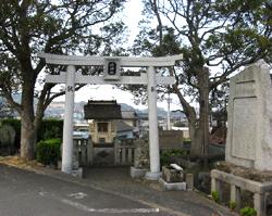 【写真】岩脇の水神社