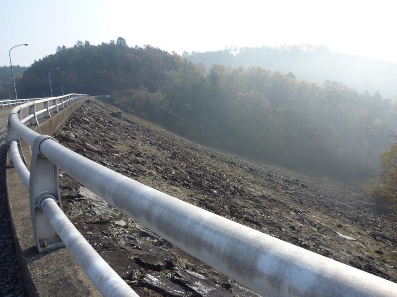 11月30日西原ダム堤体01