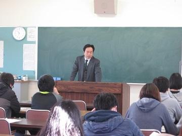 島根県立農林大学校で施策を説明(橋本課長による説明)