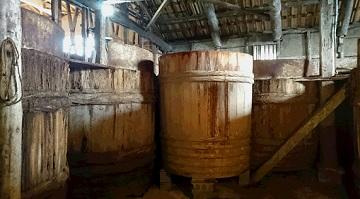 吉野杉で作られた木桶
