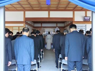 神野神社本殿での式典