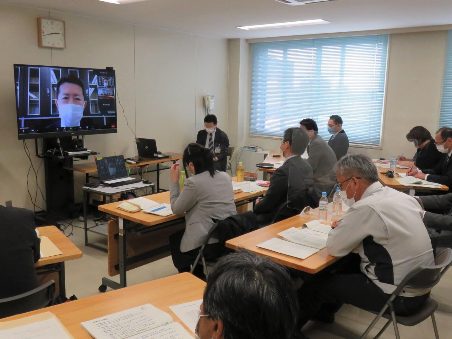 農林水産政策研究所吉田次長との意見交換の様子(その1)