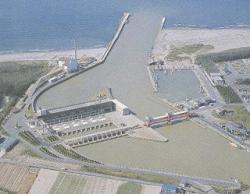 新川河口排水機場全景