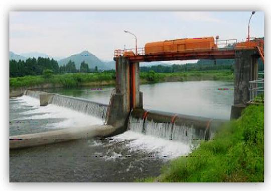 内の倉ダム(下流より望む)