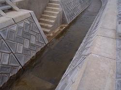 階段工と洗い場(1箇所)