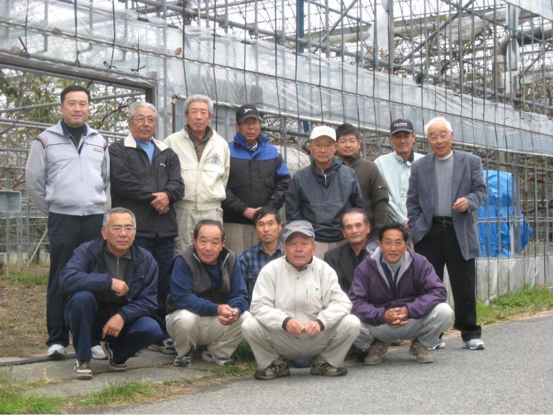 JAこま野西野支所ハウス桜桃生産委員会の皆さん