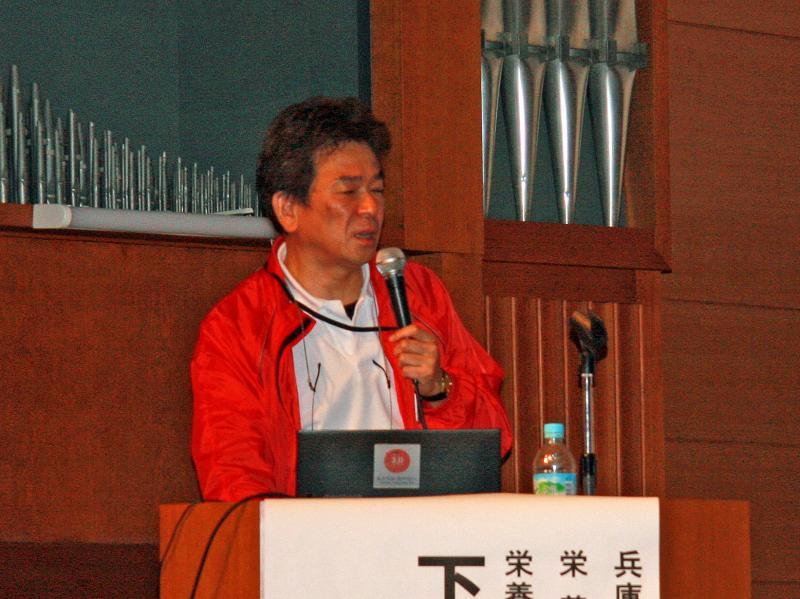 兵庫県立尼崎総合医療センター栄養管理部次長の下浦氏