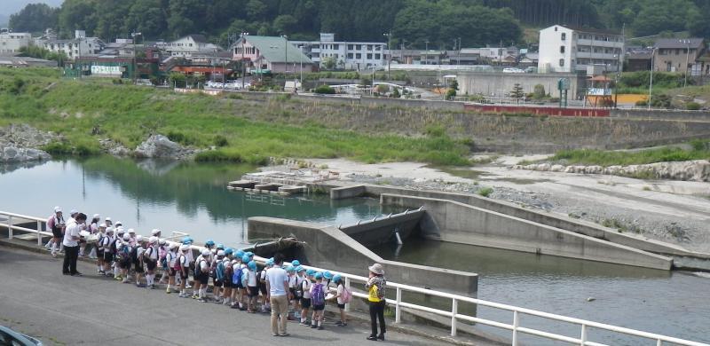 130531-大淀町立桜ヶ丘小学校-全景