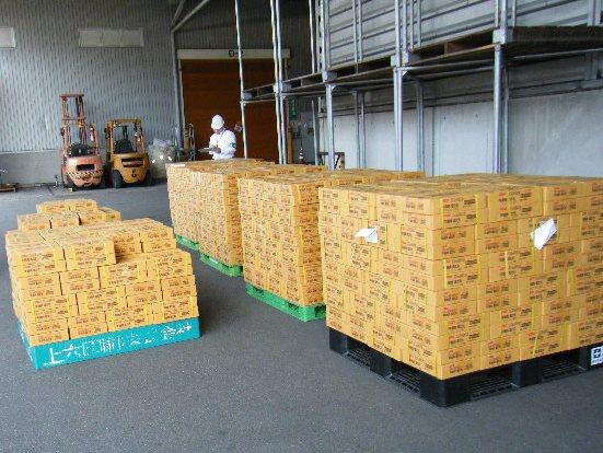 支援物資の搬入・搬出の様子3