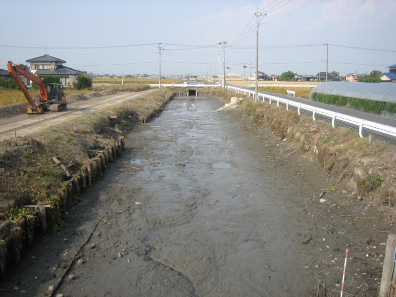 崩落土砂の堆積による貯留・排水機能の低下の写真