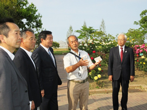 津波被災を乗り越えて再開した仙台市農業園芸センターを視察