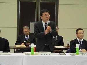 能代会場で挨拶をする鈴木東北農政局長