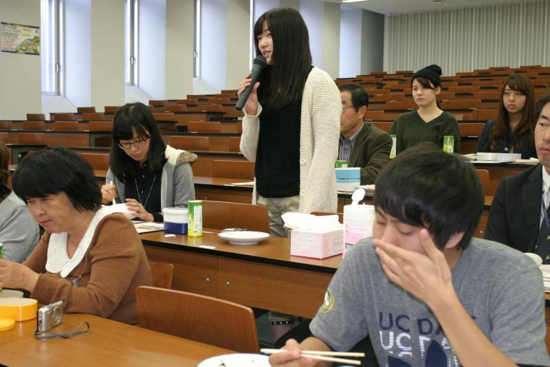 「3・1・2弁当箱法」実践の感想を述べる参加者