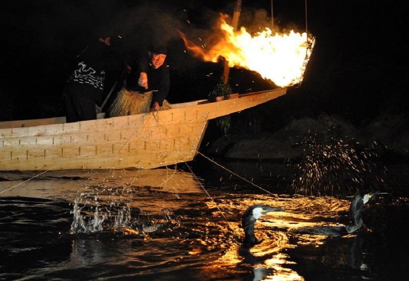 長良川の鵜飼漁