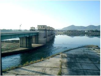 改修前の管理橋